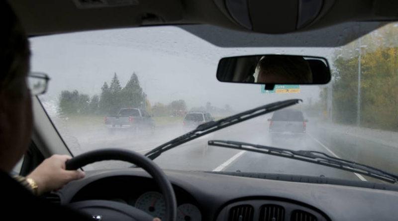 revision coche lluvia